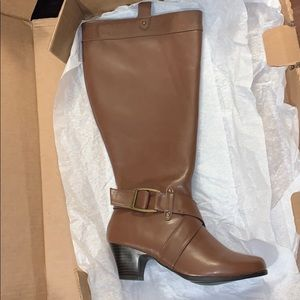 Comfortview Tall Wider Calf Boots Brown 8W  NWBox